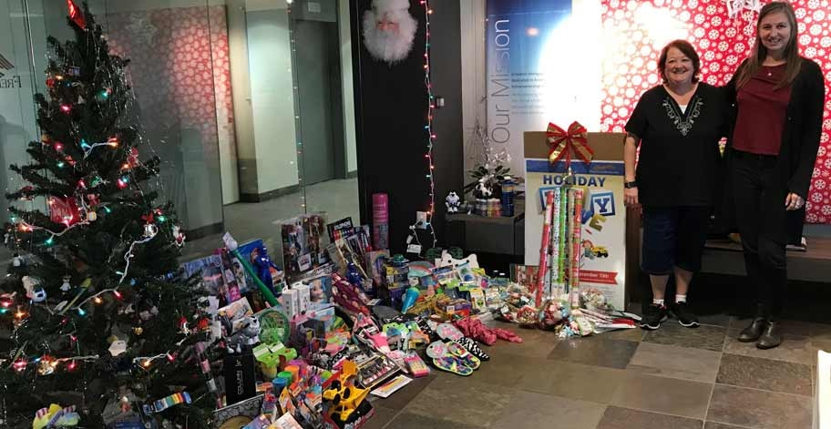 Freedom Mortgage offices in Tempe, AZ were able to collect nearly 400 items for the Tempe Corps Salvation Army.